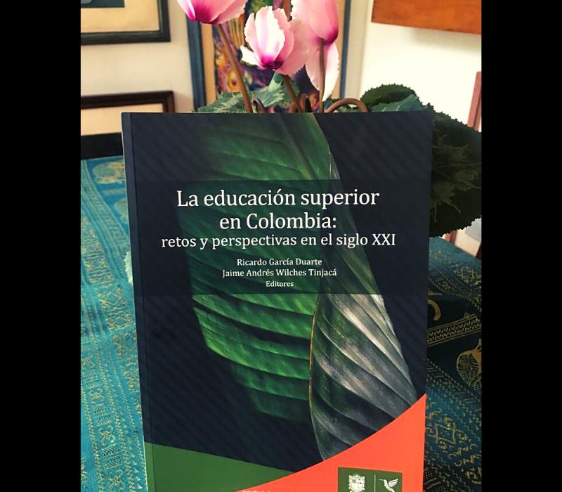 U. Distrital publica libro sobre educación superior de Colombia
