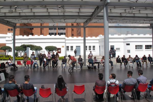 Imagen evento Participa en la cátedra 'Educaciones críticas ante la crisis'