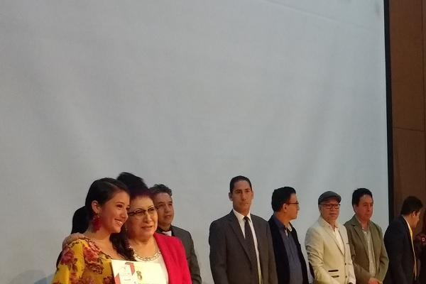 Imagen publicación: Nuevos graduandos de la Facultad de Ciencias y Educación